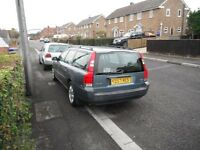 Volvo V70 2.4 Automatic Estate,2001,3 owners,comprehensive s/hist last 11 yrs,mot jan,every extra