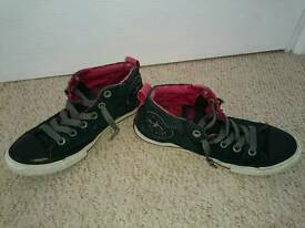 Converse all star size 4.5 black red