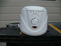 Small deep fat fryer