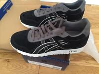 Asics GT11 trainers. New, boxed. UK size 8