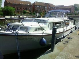 boat Ocean 30 , 32 ft loa (with bathing platform)