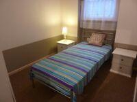 A Lovely, luxury en-suite single bedroom in a modern 3 bedroom flat in Kentish Town rent £795 pcm