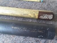 Snooker cue, metal carry case and extender