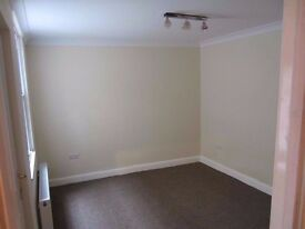 Large Double Room Addlestone Highstreet Fully furnished