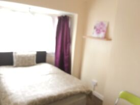 CLEAN LOVELY DOUBLE ROOM