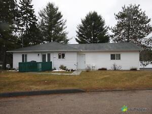 294 000$ - Maison de campagne à vendre à Lac-Du-Cerf Gatineau Ottawa / Gatineau Area image 2