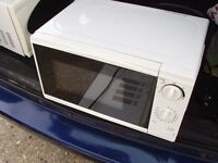 MICROWAVE OVEN WHITE 700w