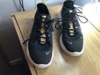 Girls/ladies size 5 black and gold Nike air max trainers
