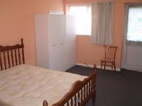 EXTRA LARGE DOUBLE ROOM FOR SINGLE PROFESSIONAL IN ISLEWORTH