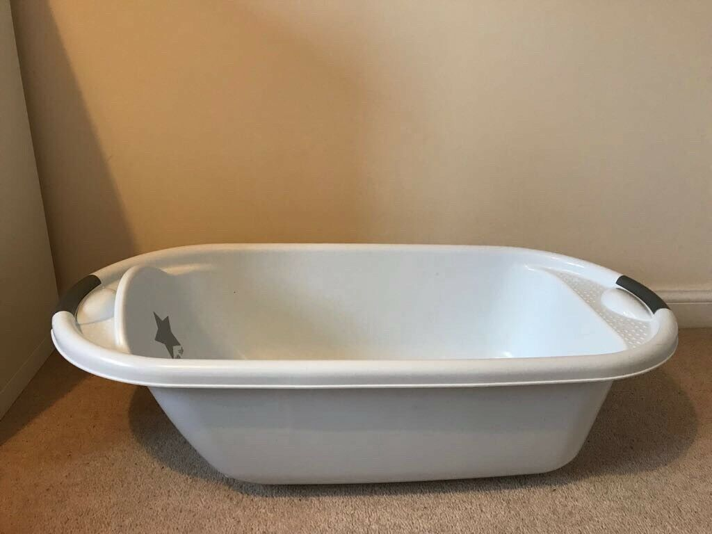Baby Bath and Bath Seat | in Bicester, Oxfordshire | Gumtree