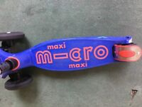Maxi micro scooter interested/blue