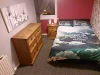 Ensuite fresh room, good transport links & easy going flatmate £500 all in