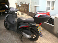 Honda PES 125i Sport . 2009. with Honda Top Box. FSH. One owner.