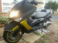 Yamaha xp500 tmax scooter