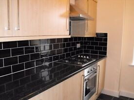 WOODFORD GREEN IG8 - FANTASTIC GROUND FLOOR 2 BED FLAT WITH PRIVATE TERRACE - AVAILABLE NOW £280PW