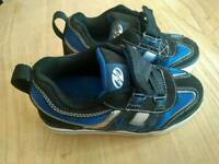 Heelys wheeled shoes size kids 12 very good condition