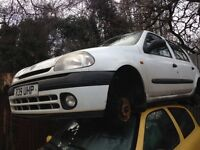 1998 Renault Clio mk2 1.4 RT 5dr white BREAKING FOR SPARES