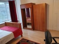 large ensuite room in hayes,