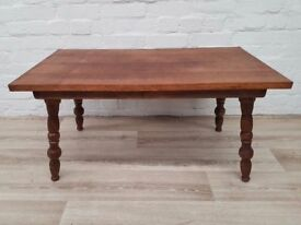 Vintage Coffee Table (DELIVERY AVAILABLE FOR THIS ITEM OF FURNITURE)