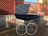 Coach Built Silver Cross Balmoral Babys Pram Navy Great Condition