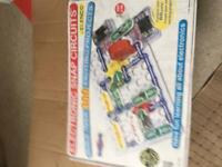 Snap circuits 300 - a fun way to learn about electronics