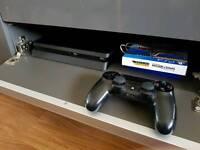 PlayStation 4 slim 500gb + 1 control pad + 1 game ( Ghost Recon Wildlands)