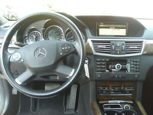 2010 Mercedes-Benz E-Class E350 4MATIC * Sunroof / Leather* London Ontario image 10