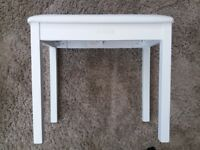 White leather effect piano/keyboard stool