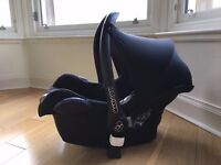 Maxi-Cosi Cabriofix infant carrier for babies