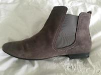 CLARKS size 7.5 women's boots