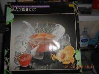 Beautiful Punchbowl and Glass Set