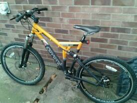 COYOTE MTS DUAL SUSPENSION TWIN DISC BRAKES 24 SPEED BIKE