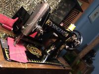 Antique 1917 Singer 66k Lotus decorated hand crank sewing machine - working