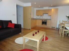 [Ref: UQ92Share] *Avail. 1/10 Luxury Ensuite Appartment