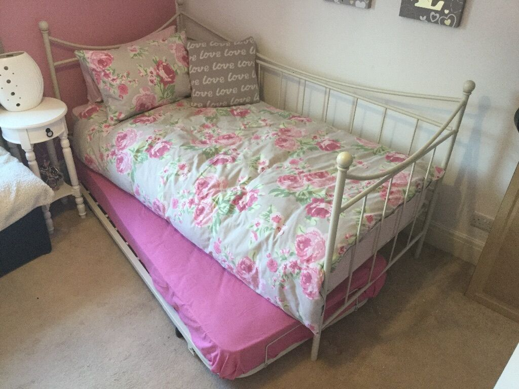 Next Cream Bedroom Furniture Nearly New Next Day Bed With Cream Bed Frame Beautiful Bed Great