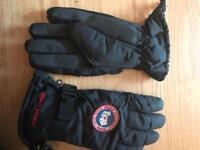 Canada padded gloves - brand new - size Medium