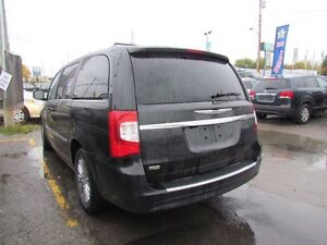 2015 Chrysler Town & Country Touring-L | CAM | LEATHER | REAR AI London Ontario image 5