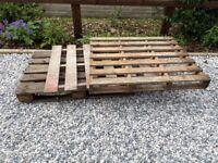 Wooden pallets x3