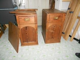 pitch pine kneehole desk great condition