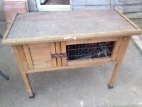 rabbit hutch good condition only £12