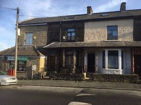 4 BED LARGE TERRACE HOUSE FOR RENT ON SPRINGWOOD AVE. WEST BOWLING. £500PCM