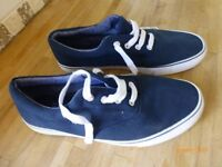 Mens Boat Shoes size 10