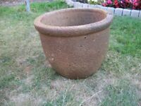 'Old Stone' Plant Pots