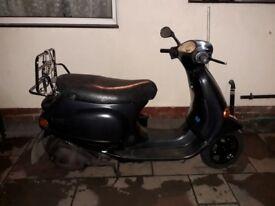Vespa et4 125 cc scooter