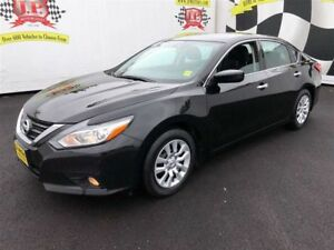 2016 Nissan Altima 2.5, Automatic, Back Up Camera, 101, 000km