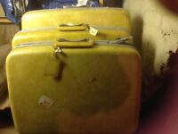 Samsonite vintage set of 3 suitcases. Buttercup yellow.
