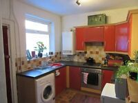 Wonderful 4 bedroom house to rent on Thornycroft Road - Smithdown