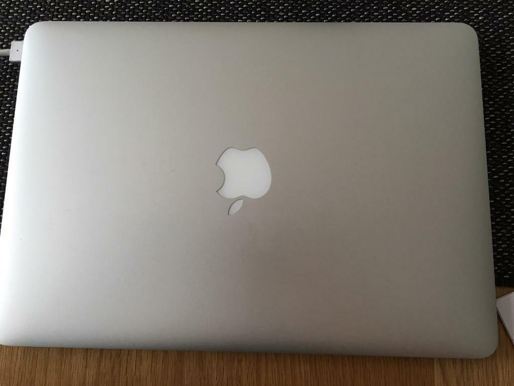 "Apple MacBook Air 2013 modelin Sutton Coldfield, West MidlandsGumtree - Apple MacBook Air 2013 modelThe Apple MacBook Air ""Core i5"" 1.3 13 Inch (Mid 2013/Haswell) features a 22 nm ""Haswell"" 1.3 GHz Intel ""Core i5"" processor (4250U) with two independent processor ""cores"" on a single chip, a 3 MB shared level 3..."