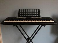 Keyboard Yamaha E213 with Stand