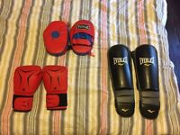 *** FREE*** 14oz Boxing Gloves, Hand pads, MMA grappling shin guards